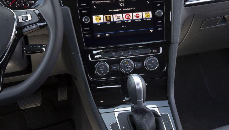 [VIDEO] Prova Volkswagen Golf TGI: La Strada in Streaming! - Foto 29 di 33
