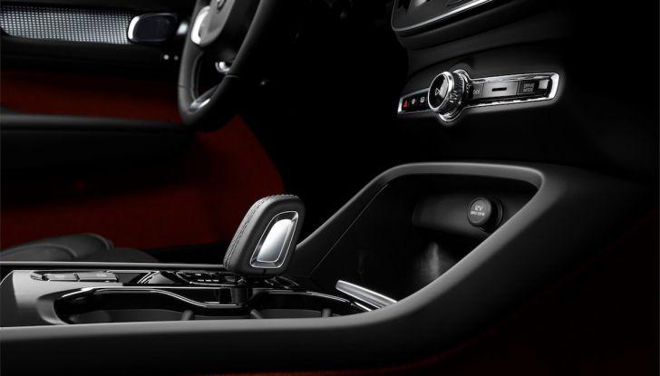 Volvo XC40: nel 2020 arriva la versione 100% elettrica - Foto 33 di 38