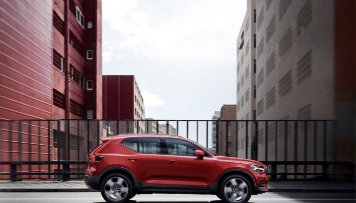 Volvo XC40: nel 2020 arriva la versione 100% elettrica - Foto 27 di 38