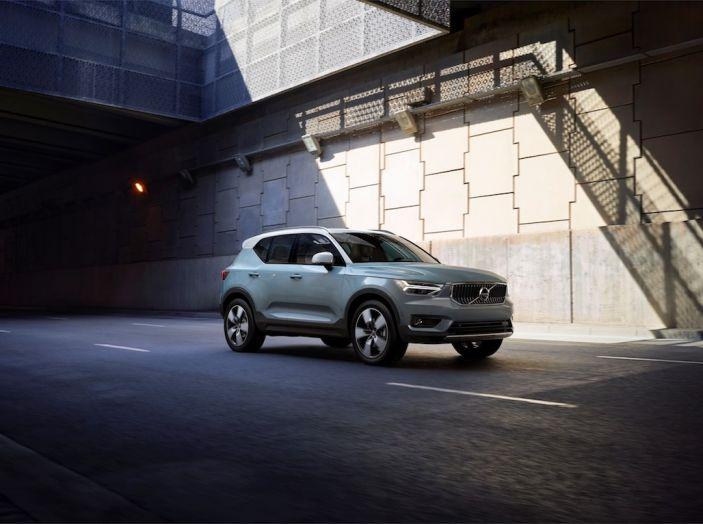 Volvo XC40 2018, prova su strada del SUV compatto svedese - Foto 28 di 51