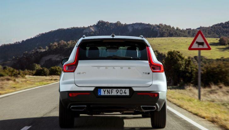 Volvo XC40 2018, prova su strada del SUV compatto svedese - Foto 37 di 51