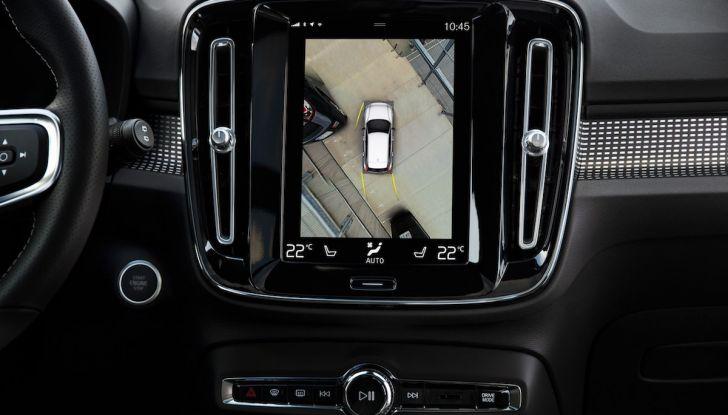 Volvo XC40: nel 2020 arriva la versione 100% elettrica - Foto 36 di 38
