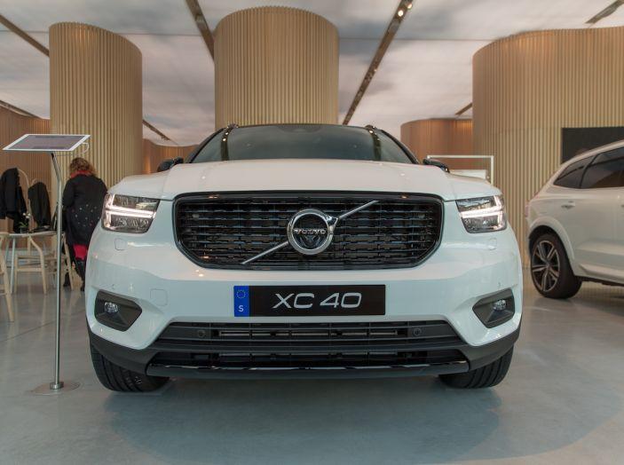 Volvo XC40 2018, prova su strada del SUV compatto svedese - Foto 10 di 51