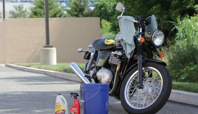 Lavaggio moto, gli errori da evitare