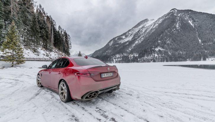 Prova su strada Alfa Romeo Giulia Quadrifoglio, la macchina perfetta! - Foto 21 di 48