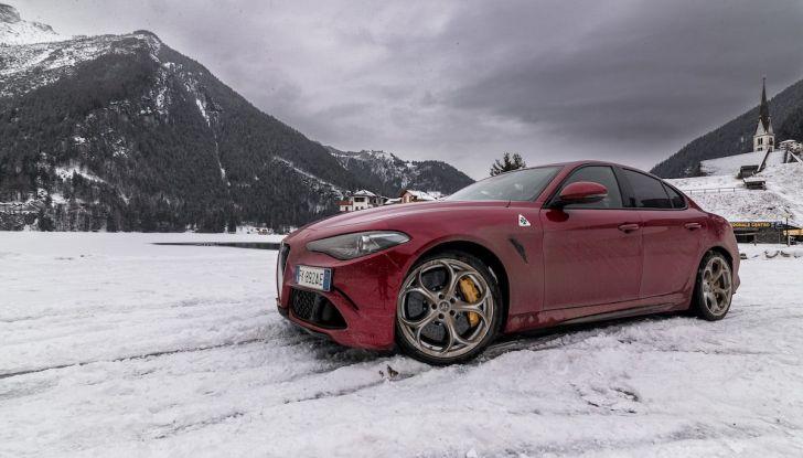 Prova su strada Alfa Romeo Giulia Quadrifoglio, la macchina perfetta! - Foto 3 di 48