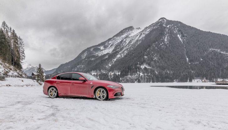 Prova su strada Alfa Romeo Giulia Quadrifoglio, la macchina perfetta! - Foto 4 di 48