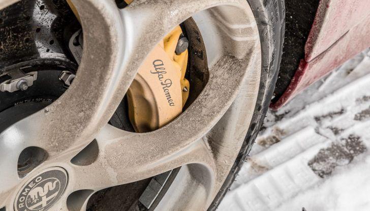 Prova su strada Alfa Romeo Giulia Quadrifoglio, la macchina perfetta! - Foto 28 di 48