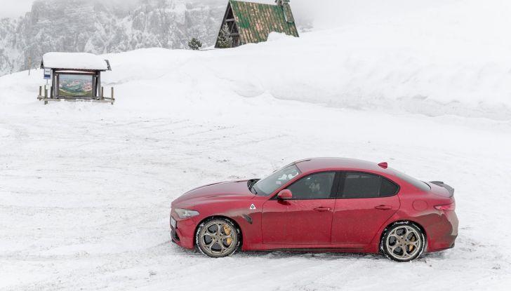 Prova su strada Alfa Romeo Giulia Quadrifoglio, la macchina perfetta! - Foto 30 di 48