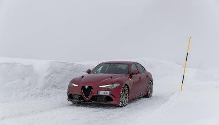 Prova su strada Alfa Romeo Giulia Quadrifoglio, la macchina perfetta! - Foto 36 di 48