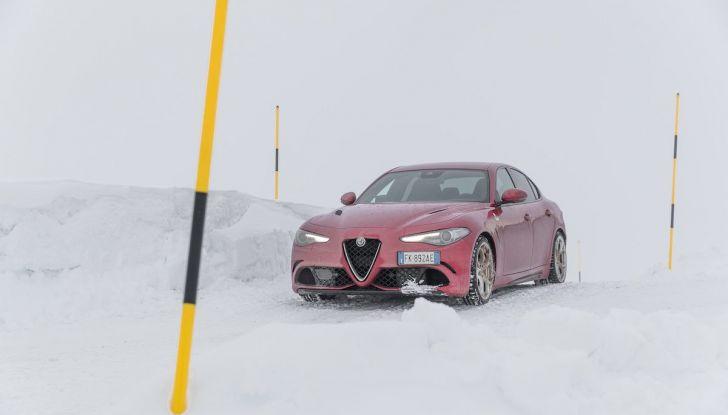 Prova su strada Alfa Romeo Giulia Quadrifoglio, la macchina perfetta! - Foto 38 di 48