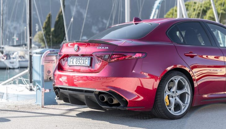 Prova su strada Alfa Romeo Giulia Quadrifoglio, la macchina perfetta! - Foto 44 di 48