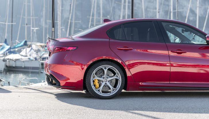 Prova su strada Alfa Romeo Giulia Quadrifoglio, la macchina perfetta! - Foto 45 di 48