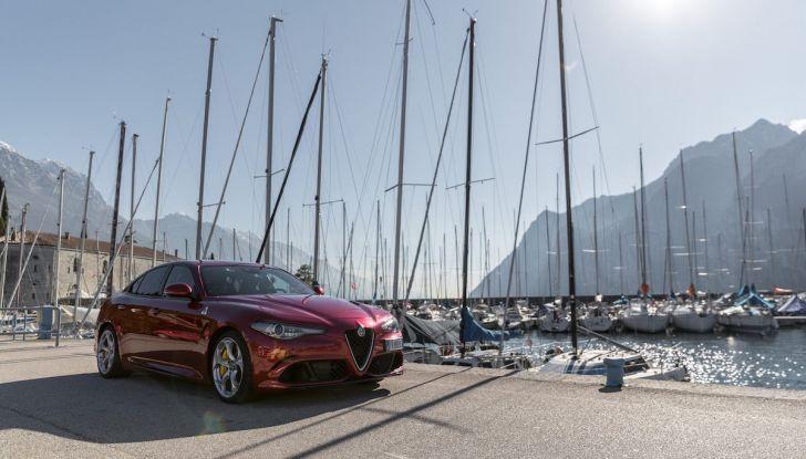 Prova su strada Alfa Romeo Giulia Quadrifoglio, la macchina perfetta! - Foto 6 di 48