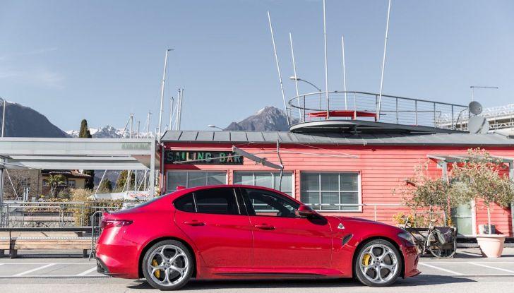Prova su strada Alfa Romeo Giulia Quadrifoglio, la macchina perfetta! - Foto 46 di 48