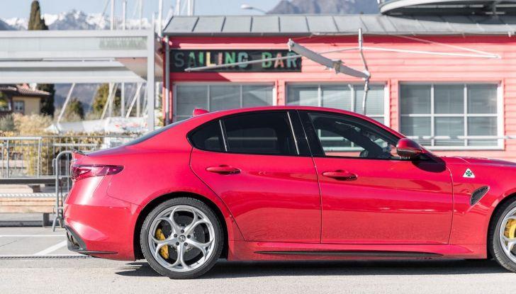 Prova su strada Alfa Romeo Giulia Quadrifoglio, la macchina perfetta! - Foto 5 di 48