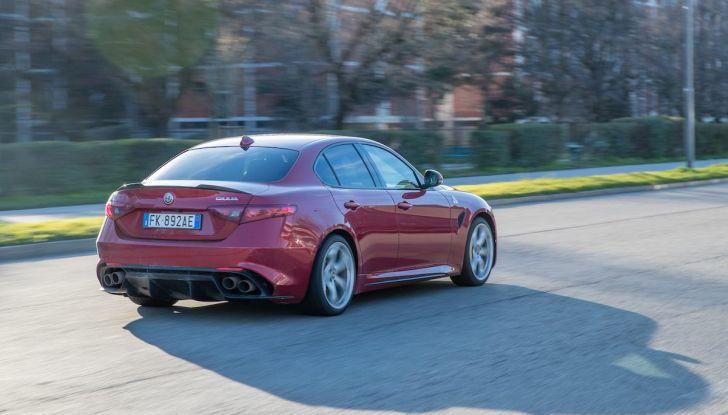 Prova su strada Alfa Romeo Giulia Quadrifoglio, la macchina perfetta! - Foto 14 di 48