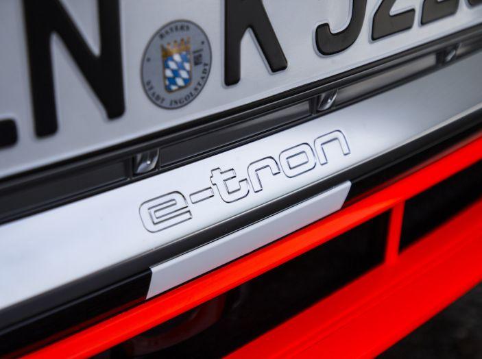 Audi e-tron, il SUV elettrico si prenota online - Foto 16 di 31