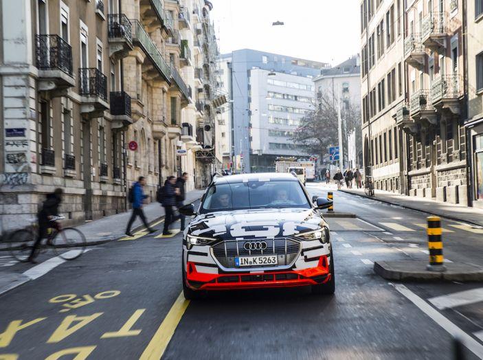 Audi e-tron, il SUV elettrico si prenota online - Foto 4 di 31