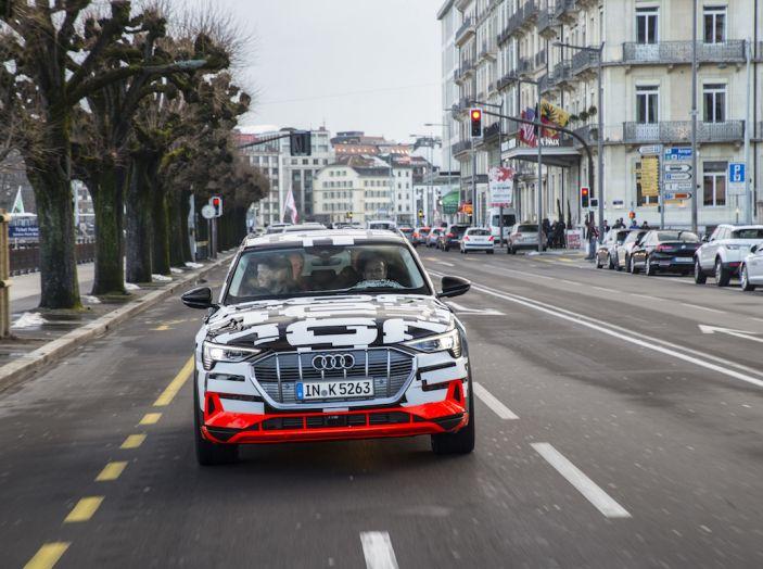 Audi e-tron, il SUV elettrico si prenota online - Foto 23 di 31