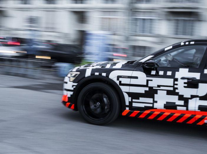 Audi e-tron, il SUV elettrico si prenota online - Foto 29 di 31