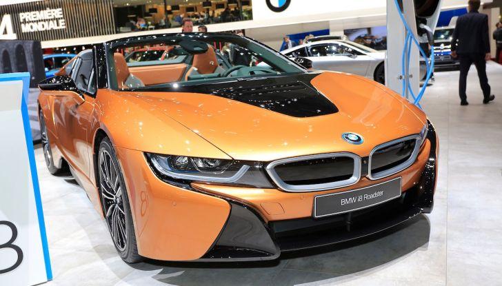 BMW i8 Roadster 2018: Caratteristiche, prezzi e prestazioni - Foto 2 di 9