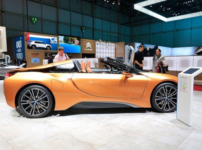BMW i8 Roadster 2018: Caratteristiche, prezzi e prestazioni - Foto 3 di 9