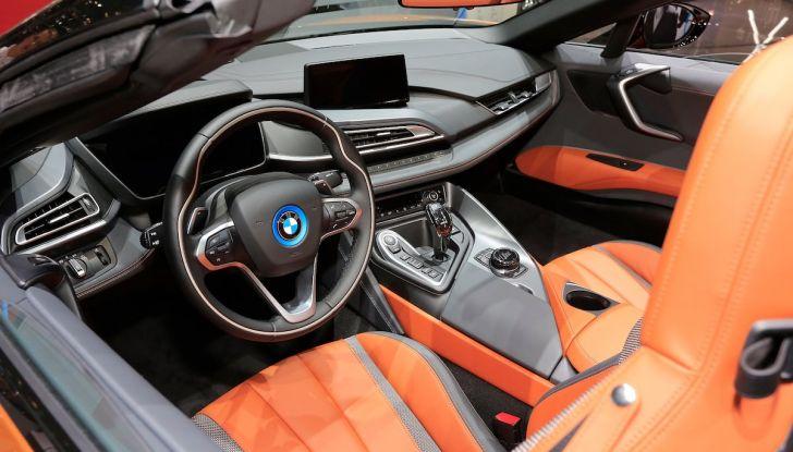 BMW i8 Roadster 2018: Caratteristiche, prezzi e prestazioni - Foto 8 di 9