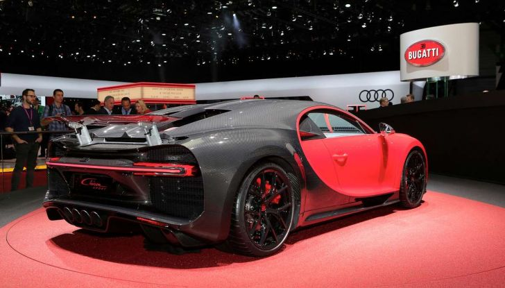 Bugatti Chiron Sport, la pista è il suo mestiere - Foto 14 di 20