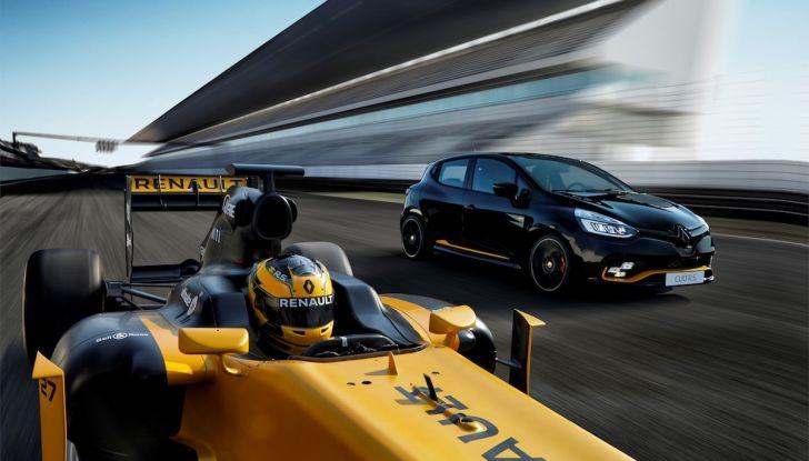 Renault Clio R.S. 18: la Hot Hatch da 220CV pronta a scendere in pista - Foto 8 di 20