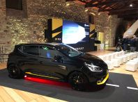 Renault Clio R.S. 18: la Hot Hatch da 220CV pronta a scendere in pista
