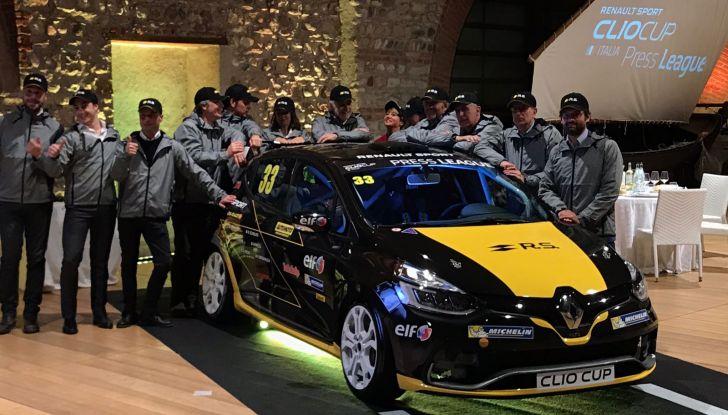 Renault Clio R.S. 18: la Hot Hatch da 220CV pronta a scendere in pista - Foto 18 di 20
