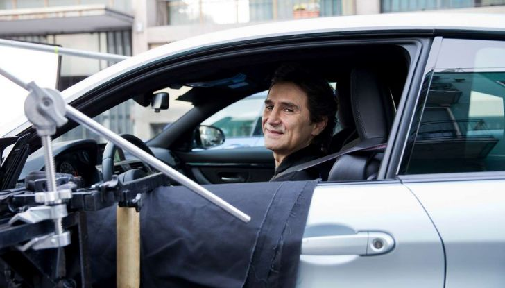 CoverYourPhone, la campagna sulla sicurezza stradale di BMW e Alex Zanardi - Foto 2 di 6