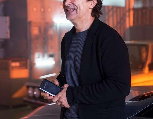 CoverYourPhone, la campagna sulla sicurezza stradale di BMW e Alex Zanardi - Foto 5 di 6