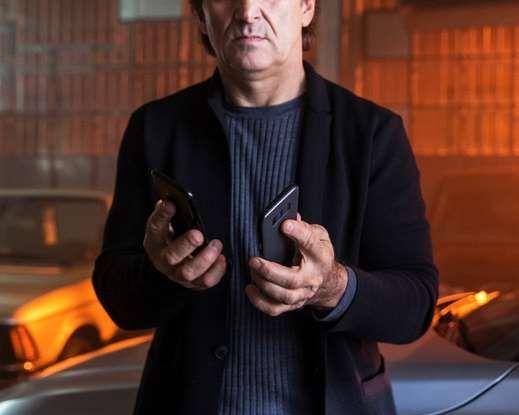 CoverYourPhone, la campagna sulla sicurezza stradale di BMW e Alex Zanardi - Foto 6 di 6