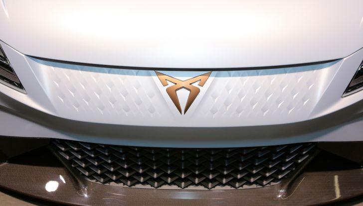 Cupra e-Racer, la prima GT 100% elettrica pronta per le corse - Foto 4 di 7