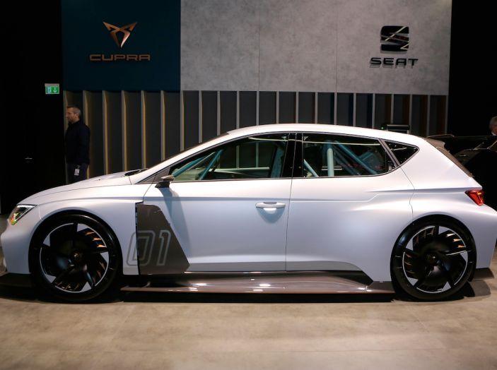 Ginevra 2018: le auto elettriche presentate al Salone - Foto 18 di 33