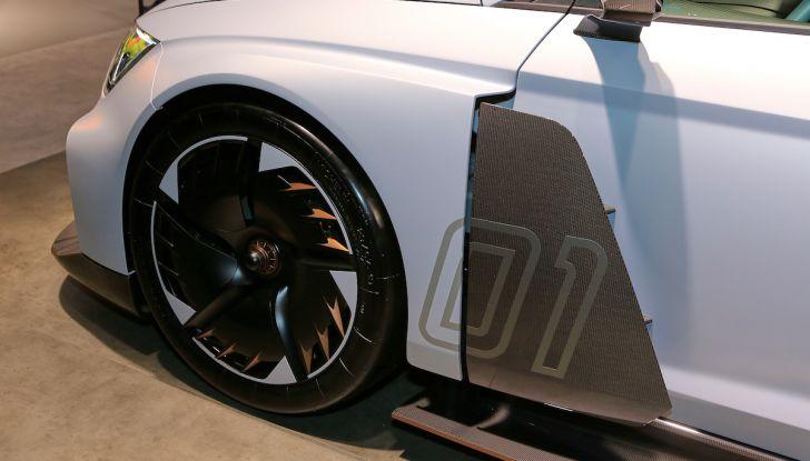 Cupra e-Racer, la prima GT 100% elettrica pronta per le corse - Foto 3 di 7