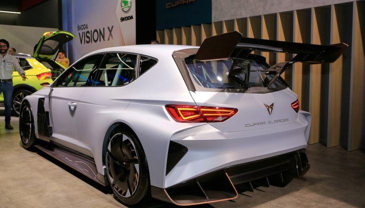 Cupra e-Racer, la prima GT 100% elettrica pronta per le corse - Foto 5 di 7