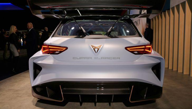Cupra e-Racer, la prima GT 100% elettrica pronta per le corse - Foto 6 di 7