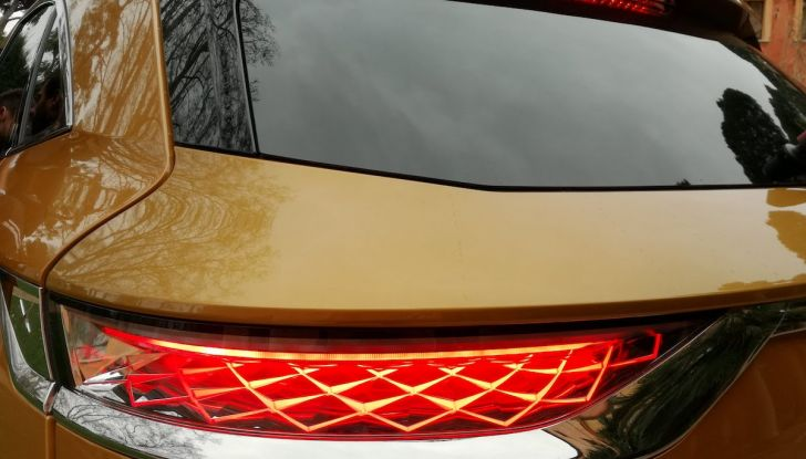 DS7 Crossback, prova su strada del SUV Premium senza compromessi - Foto 20 di 27
