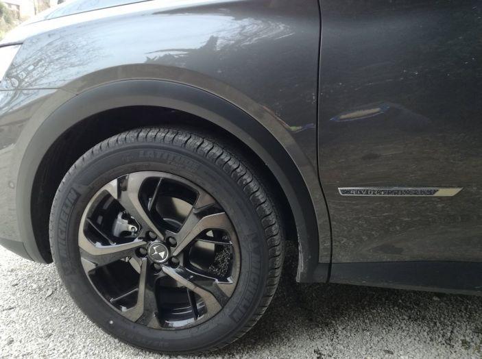 DS7 Crossback, prova su strada del SUV Premium senza compromessi - Foto 14 di 27