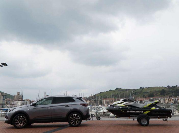 Opel Grandland X prova su strada, motorizzazioni e consumi - Foto 7 di 27