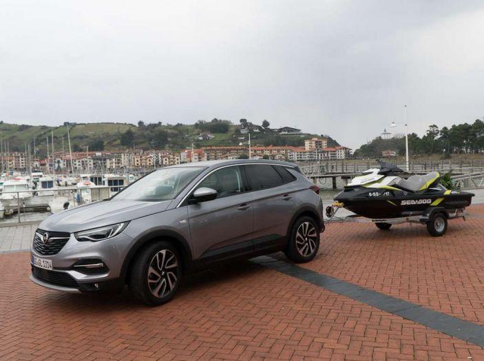 Opel Grandland X prova su strada, motorizzazioni e consumi - Foto 1 di 27