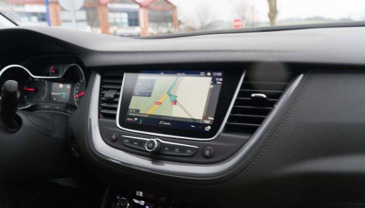 Opel Grandland X prova su strada, motorizzazioni e consumi - Foto 26 di 26