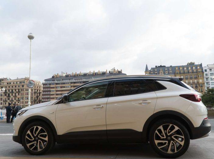 Opel Grandland X prova su strada, motorizzazioni e consumi - Foto 11 di 27