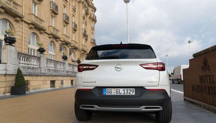 Opel Grandland X prova su strada, motorizzazioni e consumi - Foto 3 di 26