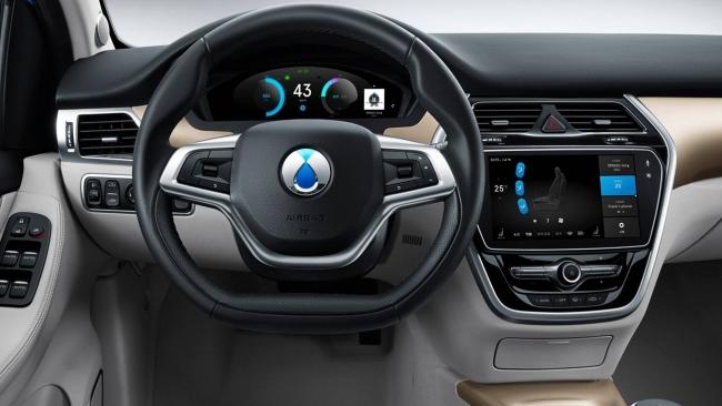 Denza 500, l'elettrica Mercedes per il mercato cinese - Foto 5 di 7