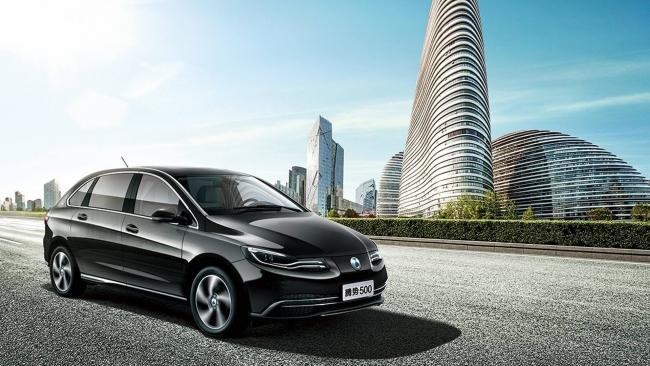 Denza 500, l'elettrica Mercedes per il mercato cinese - Foto 6 di 7