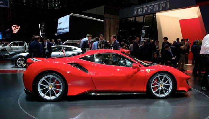 Ferrari 488 Pista, il V8 più potente di sempre - Foto 13 di 15